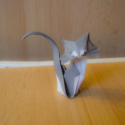 Encore en retard, je vous présente mon chat (muji 15x15).